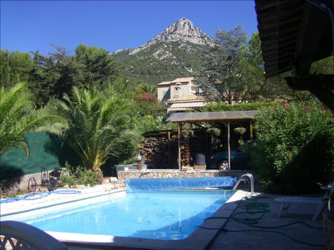 La Valette maison 3 ch + 1 mansardée piscine forage chff cen 34538552