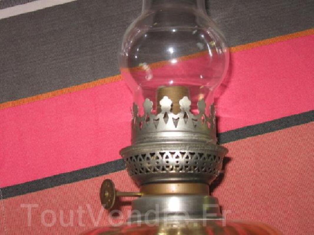 Lampe à pétrole étain et verrerie 93019173