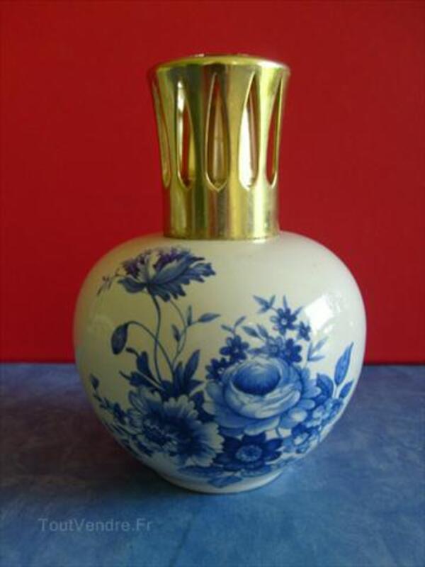 Lampe berger à décor de fleurs bleues JARS 72557172