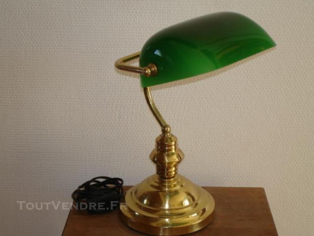 LAMPE Dite de BANQUIER avec opaline verte 76120665