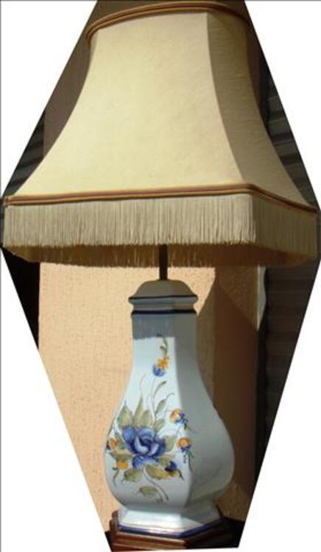 Lampe faïence de RODEZ décor floral fait main H91xL50xP37cm 78606054