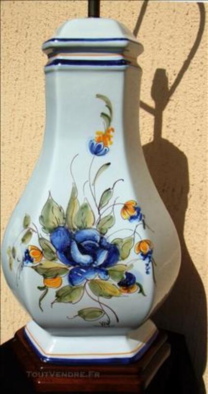 Lampe faïence de RODEZ décor floral fait main H91xL50xP37cm 78606434