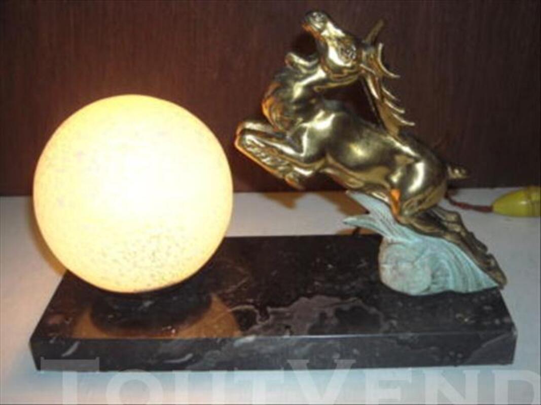 LAMPE   VEILLEUSE  ART  DECO  CERF  EN  REGULE 73997277