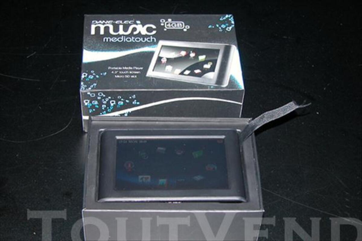 """Lecteur Divx, MP3, transmetteur FM, diane-elec 8GB 4,3"""" 73974770"""