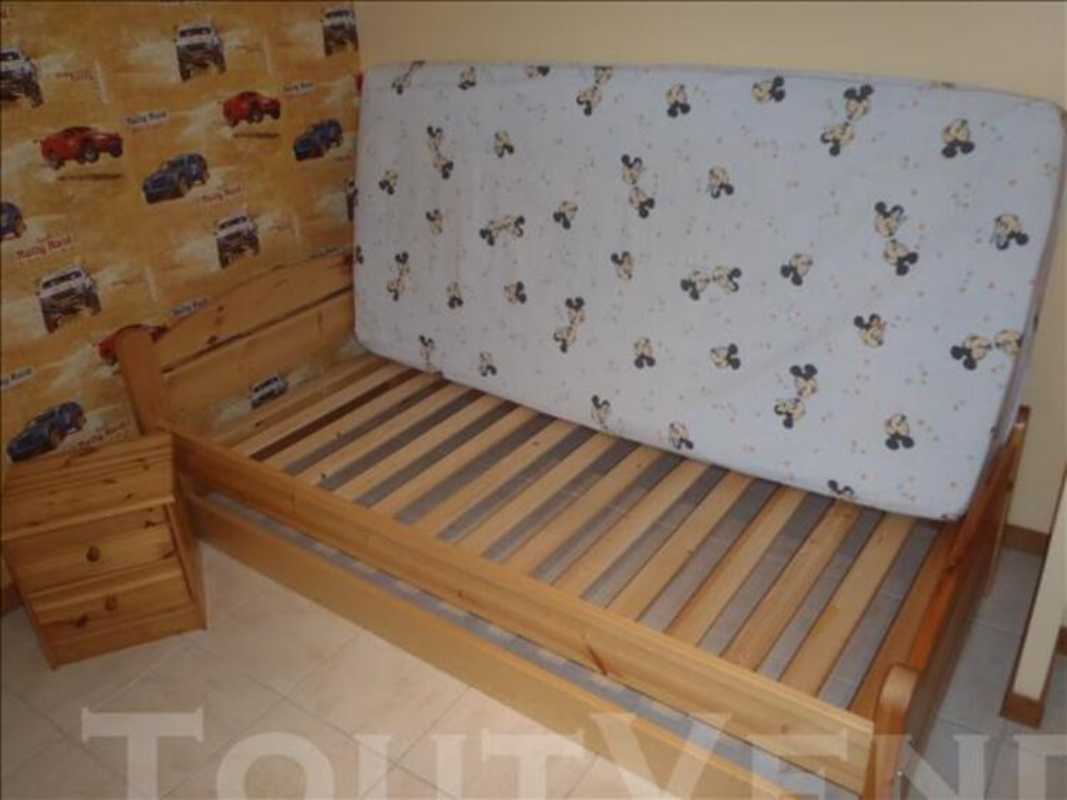 Lit 90x190 + matelas + table de nuit et tiroir en pin 76533230