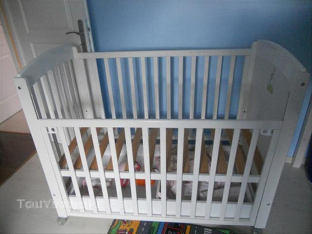 Lit bébé Eguizier 45850257