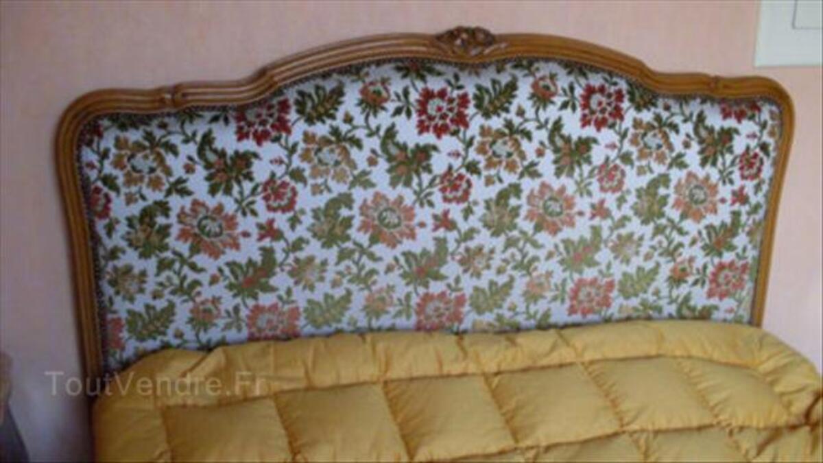 Lit capitonné demi-corbeille Style Louis XV 56501330