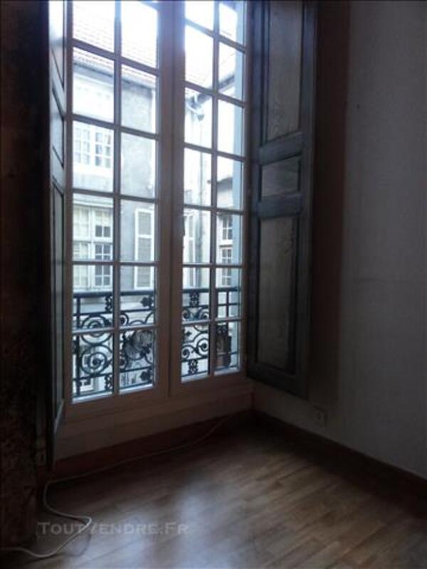 Location appartement T1 centre Pau 81527153