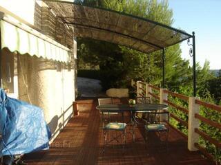 Location bas de villa T4+TERRASSE EGUILLES