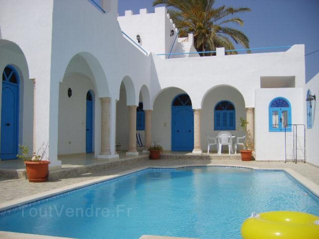 Location djerba villa de caractere 210m2 avec piscine 7701