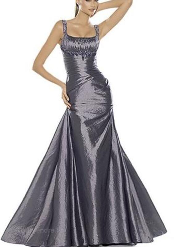 Location Magnifique robe de soirée PRONOVIAS MONSOON 27700422