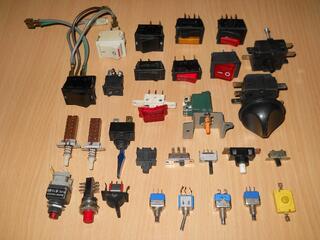 LOT 29 Interrupteurs NEUFS