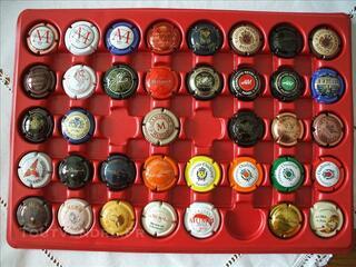 Lot 4 - capsules de chamapgne de vignerons