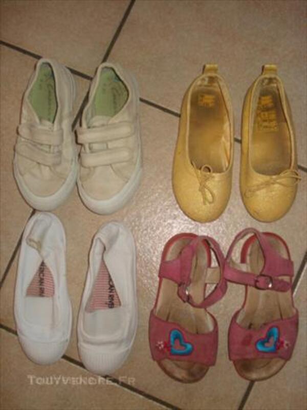 Lot 8 paires de chaussures 26: sandales méduses etc 44991914