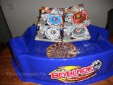 LOT ARENE BEYBLADE + 4 TOUPIES SAISON 3 TOP RAPIDITY