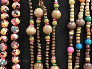 Lot bijoux colliers/sautoirs/bracelets ethniques, bois