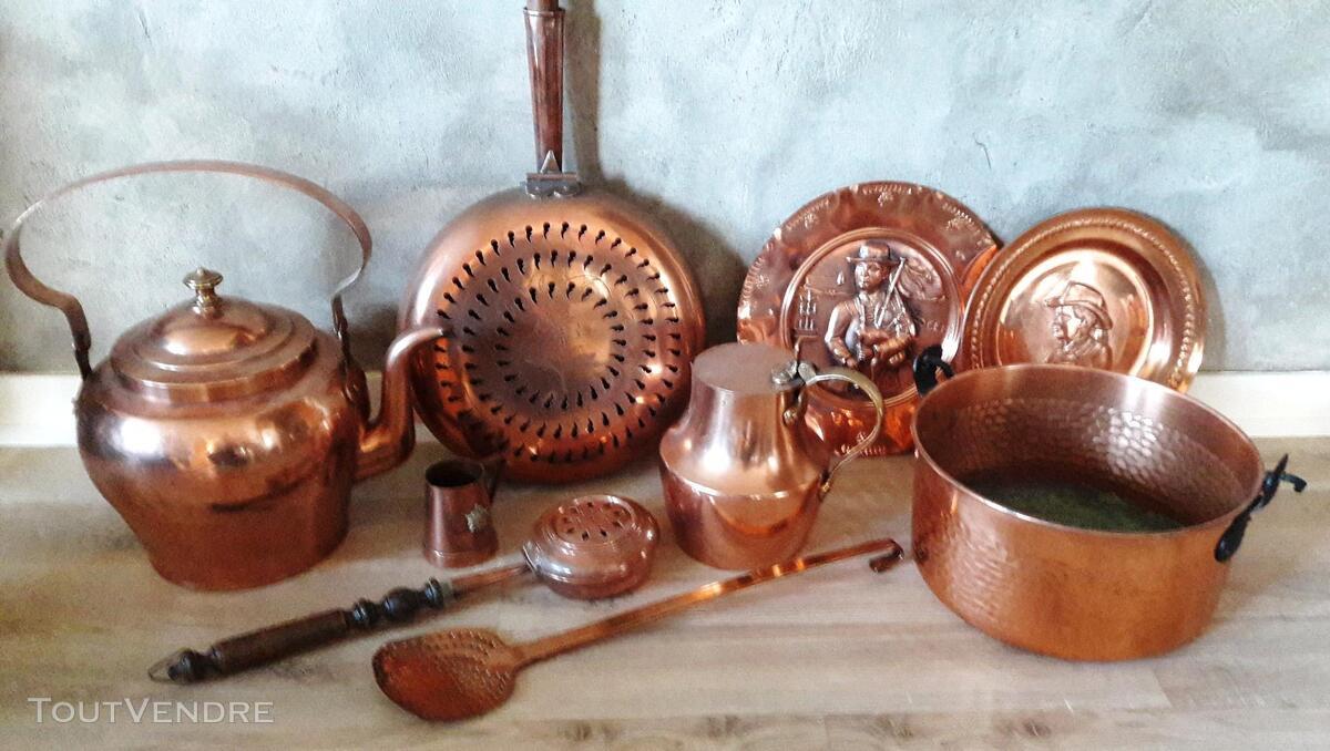 Lot de 12 cuivres anciens et modernes dont 3 casseroles 149286527