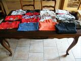 Lot de 17  vêtements garçon taille 6 ans