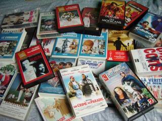 LOT DE 35 FILMS CASSETTES K7 VIDEO VHS