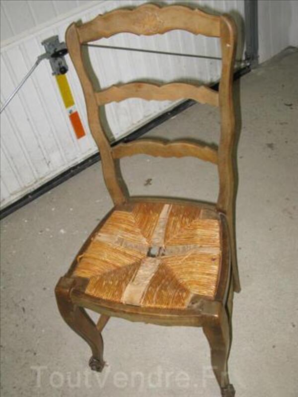 Lot de 6 chaises en bois massif a restaurer 3240159