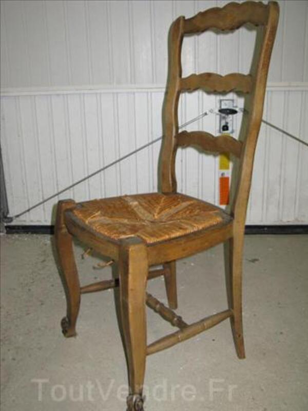Lot de 6 chaises en bois massif a restaurer 3240160