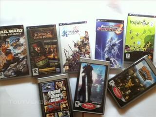 Lot de 8 Jeux PSP (et 1 DVD PSP)