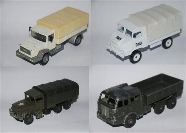 Lot de 9 véhicules militaires solido dinky 64437402