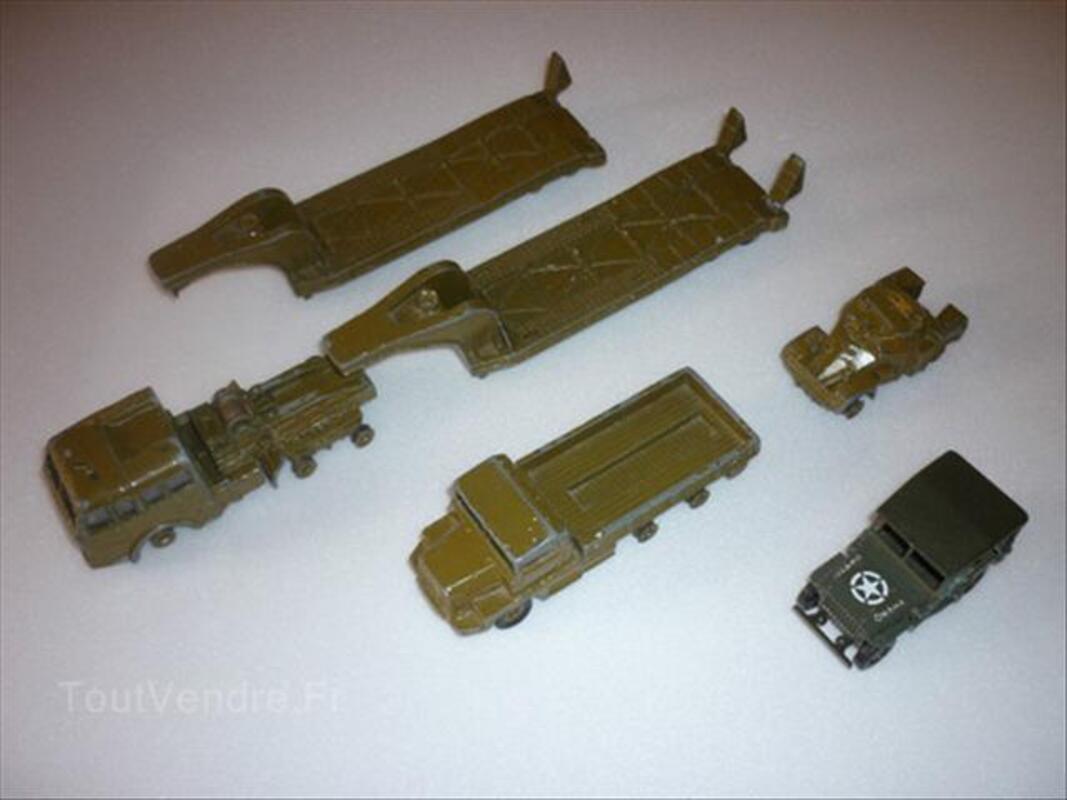 Lot de Dinky Toys militaires 54716934