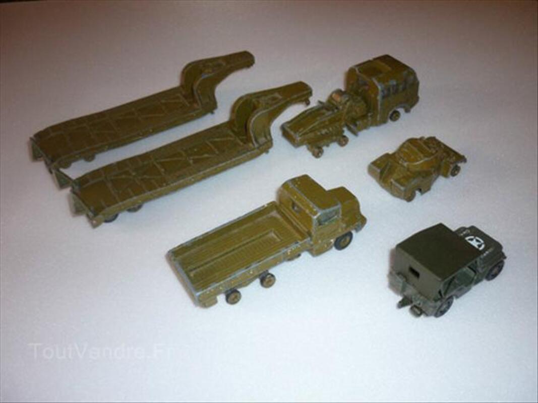 Lot de Dinky Toys militaires 54716935