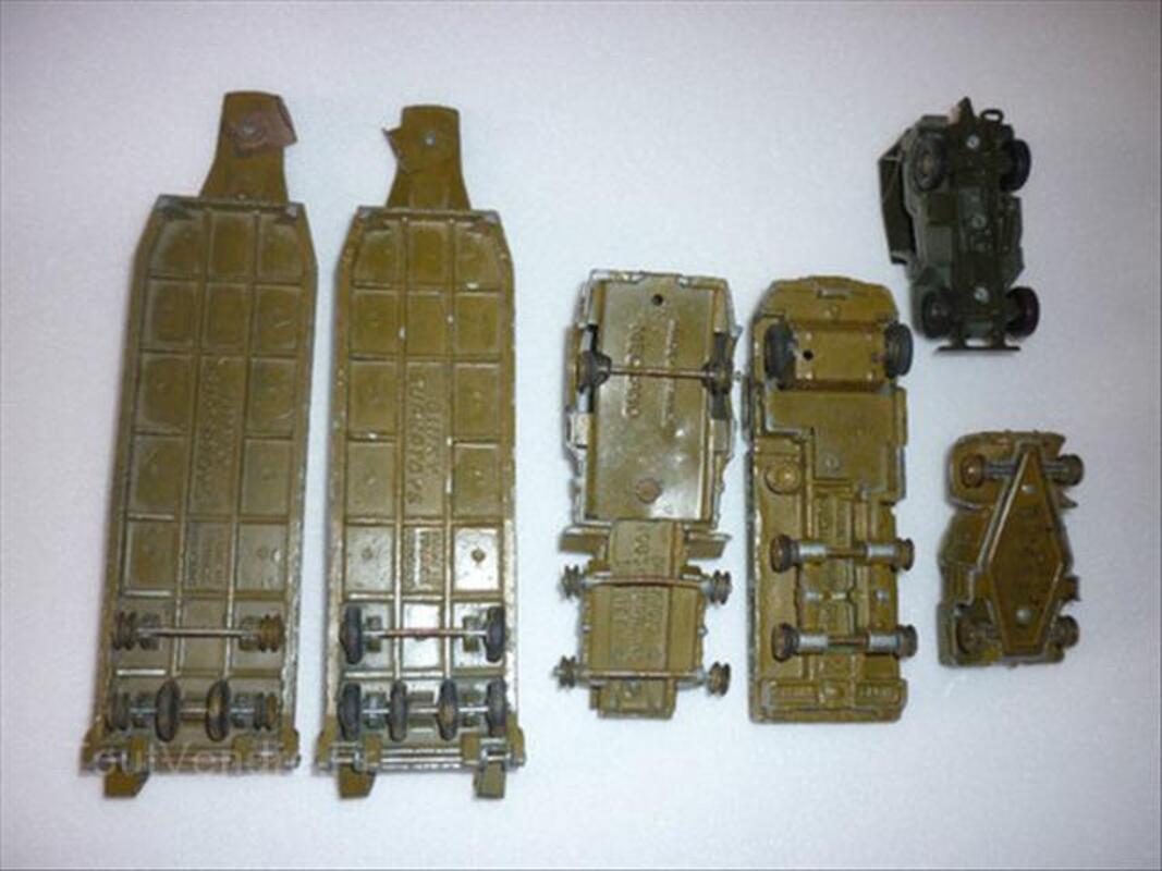 Lot de Dinky Toys militaires 54716936