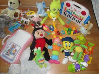 Lot de jouets bebe