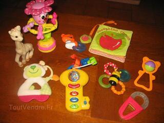 Lot de jouets d'eveil