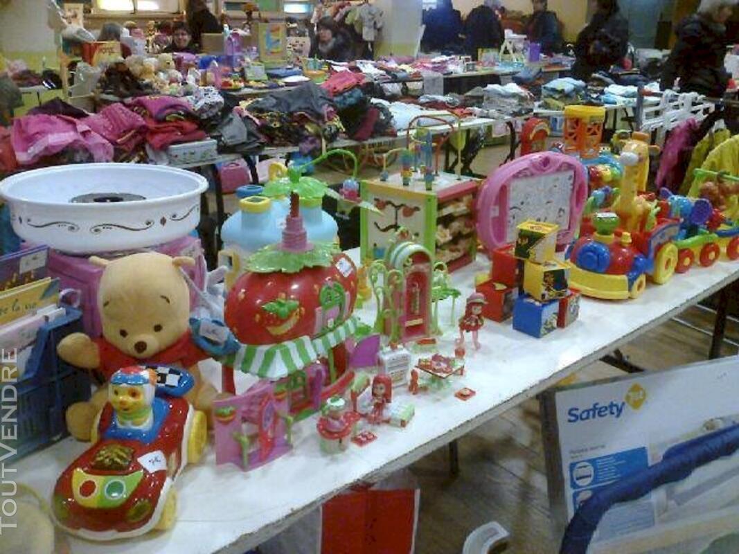 Lot de jouets 115873565