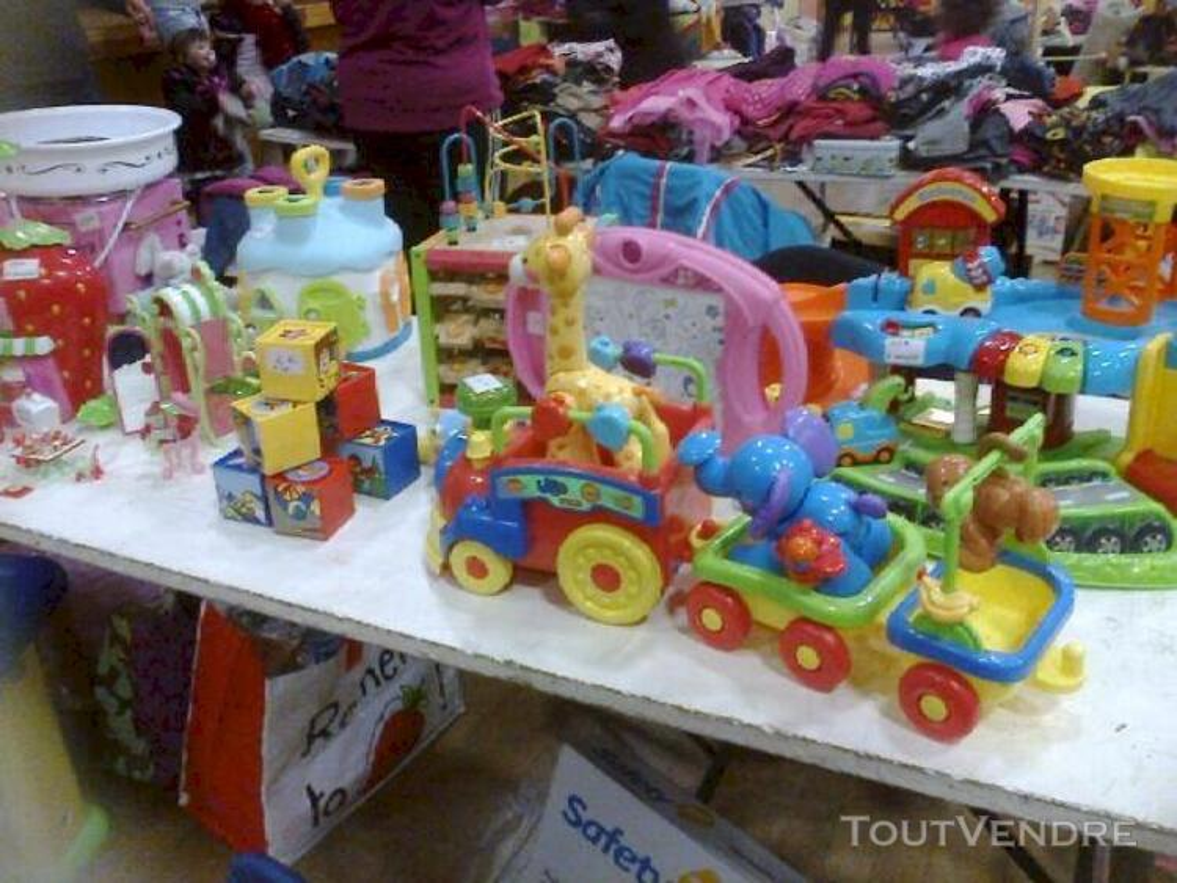 Lot de jouets 115873575