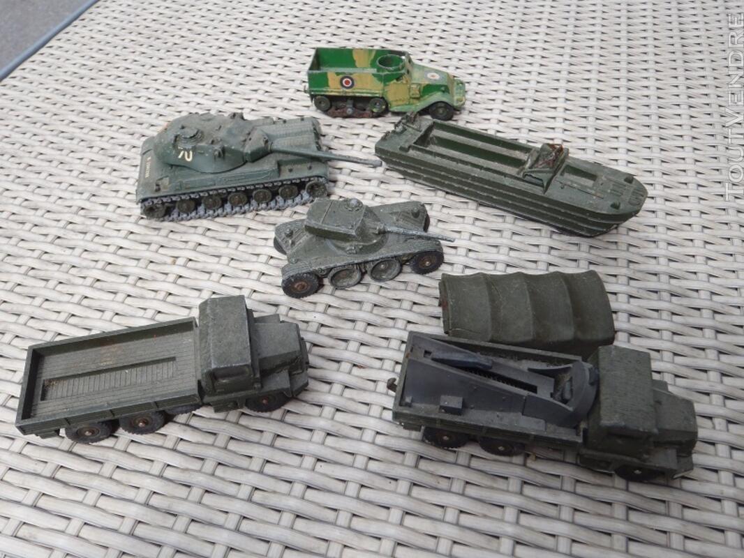Lot de véhicules militaires DINKY TOYS 137451950