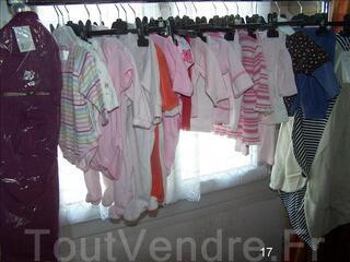Lot de vêtements d'occasions pour bébé fille 1 à 3 mois