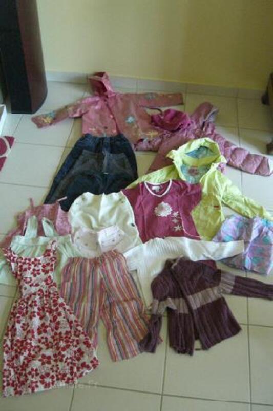 Lot de vêtements fille 5 ans 90055937