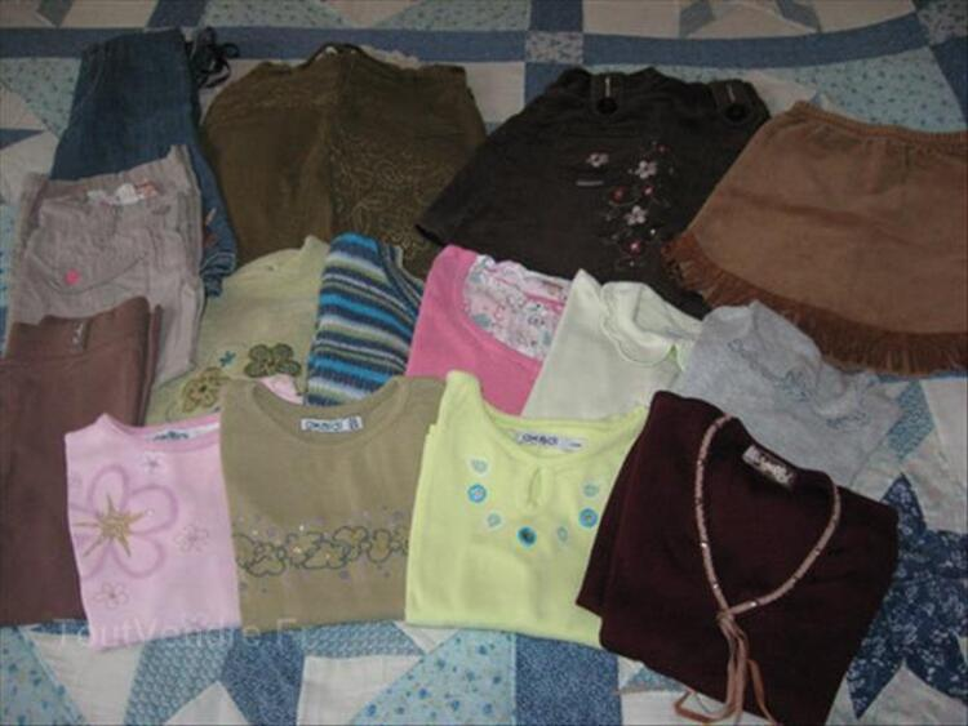 Lot de vêtements fille taille 4 ans 88319584