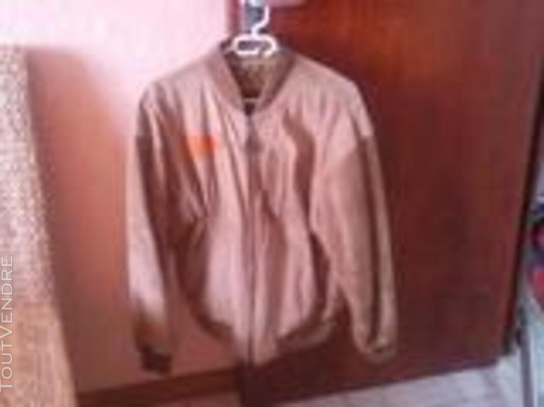 Lot de vêtements 469816134