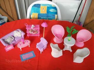 Lot mobilier Barbie : salon intérieur et salon  jardin