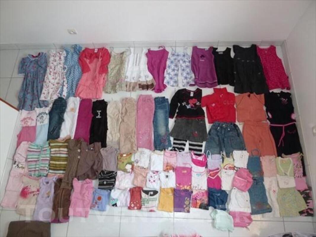 Lot vêtements 4-5 ans fille 76747656