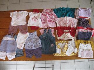 Lot vêtements bébé fille 1 an (lot 1)