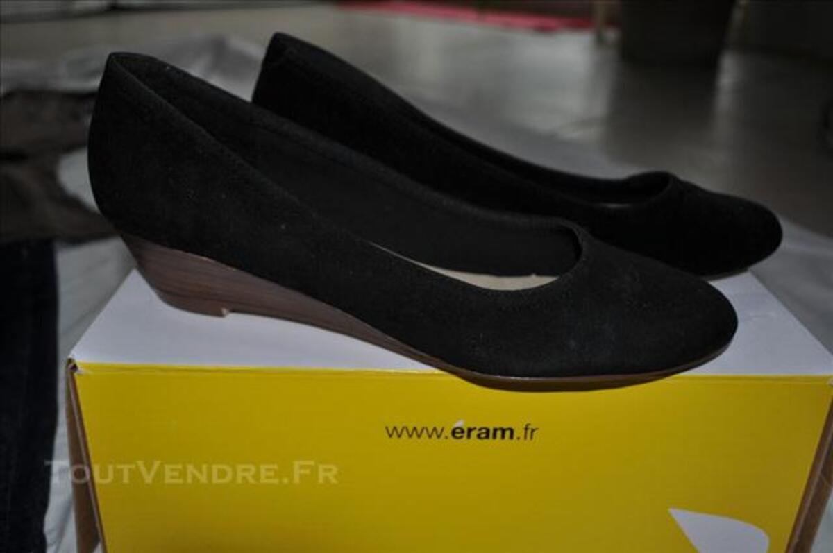 Lot vêtements femme et 2 paires de chaussures 75711148