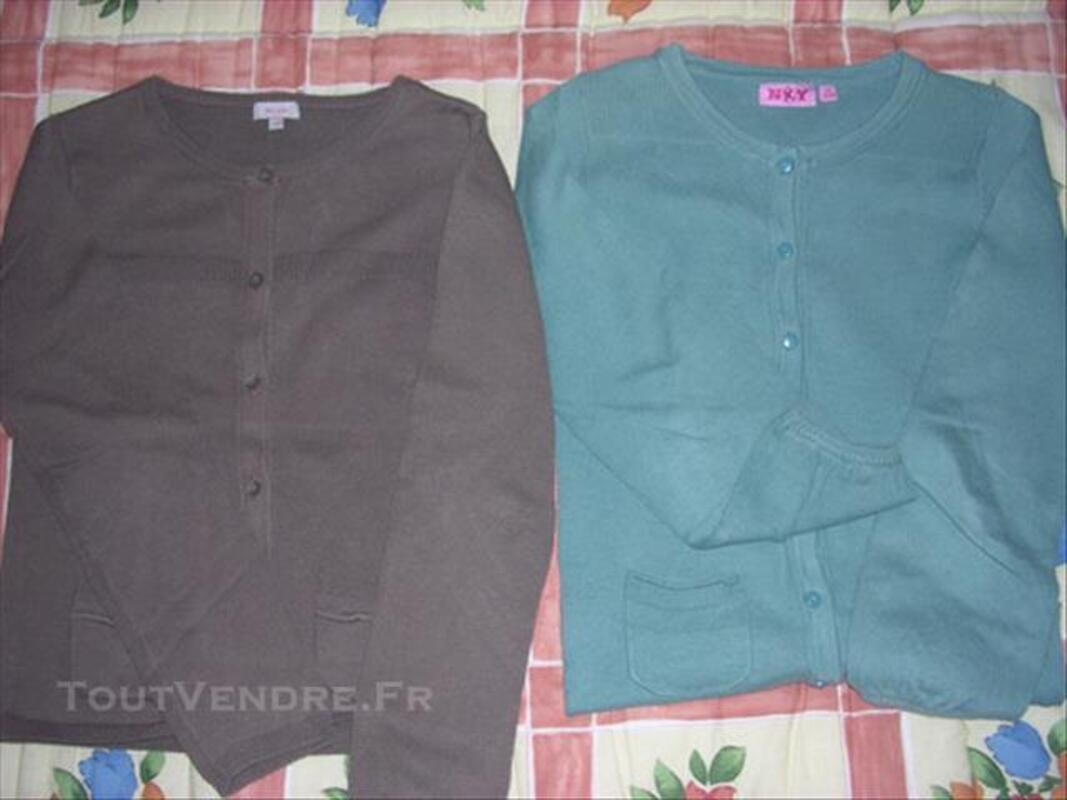 Lot vêtements fille taille 8 ans 84799917