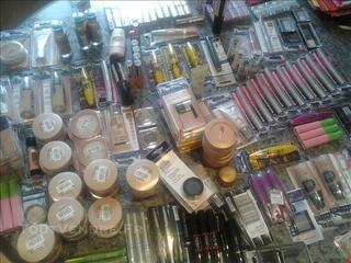 Lots de cosmétiques L'OREAL et MAYBELLINE