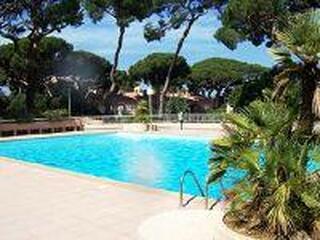 Loue Hyeres port studio + piscine 3pers a partir de 150€