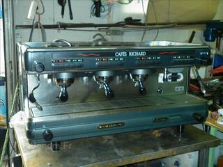 """MACHINE A CAFE PROFESSIONNELLE """"CIMBALI"""" TRES BON ETAT"""