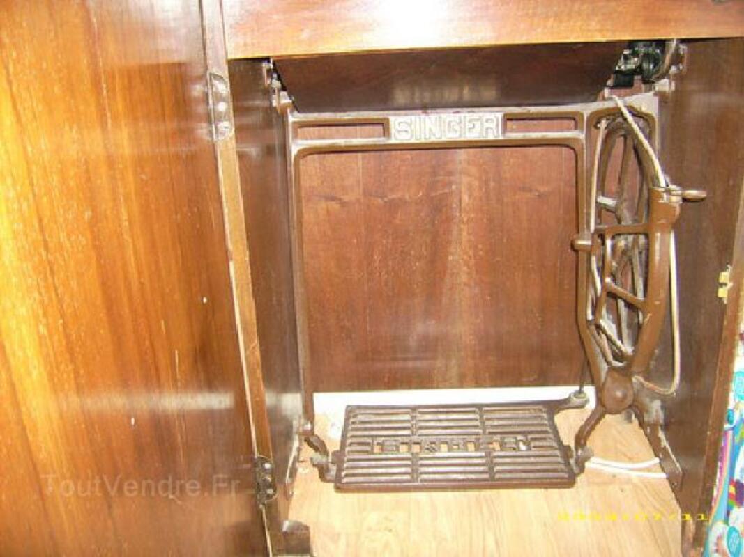 Machine a coudre a pedale 89838657