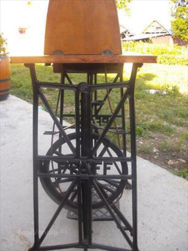 MACHINE A COUDRE ANCIENNE PFAFF 12 A NAVETTE VIBRANTE 64489103