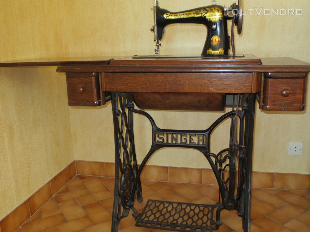 Machine à coudre Singer ancienne 137702086
